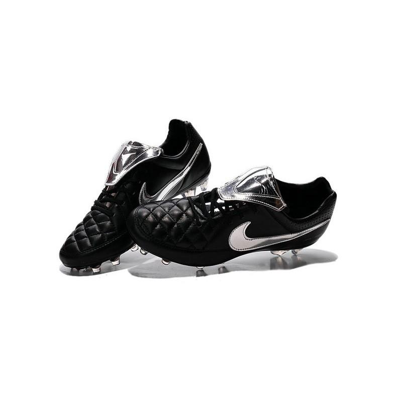 scarpe da calcio nike pelle