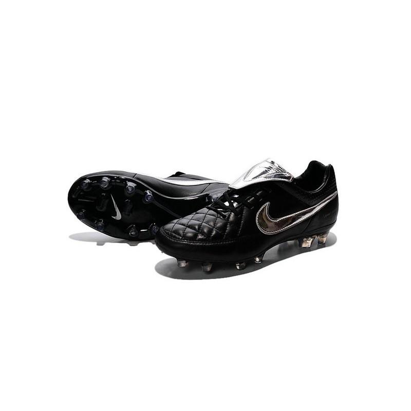 the latest baaed 77d39 Scarpe da Calcio Nike Scarpe Nike Tiempo Genio Pelle Argenteo Nero